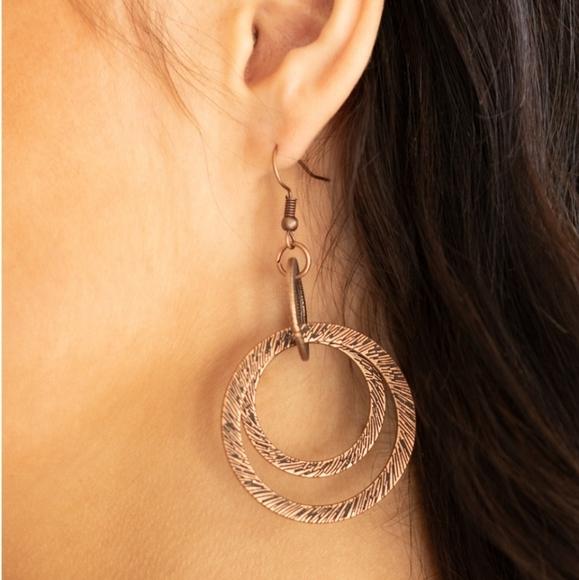 Distractingly Dizzy Earrings